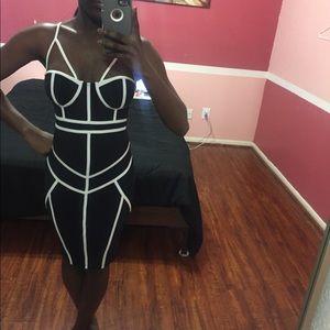 A'GACI Black & White Bodycon Dress Size S
